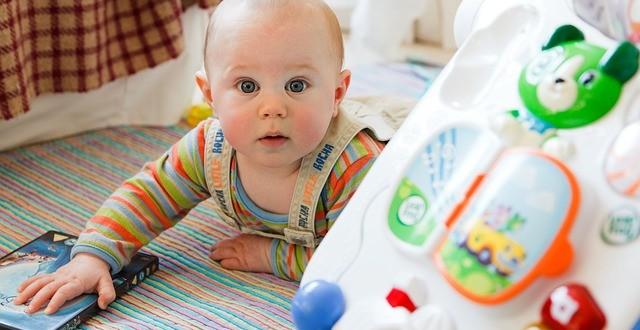 Lernspielzeug für Ihr Baby